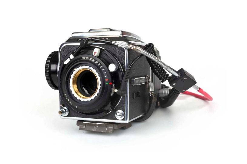 Hibrido Analógico/digital. Cámara Hasselblad 500C convertida en estenopeica a partir de un obturador Copal 0 con estenopo y respaldo Phase One. Formato: digital