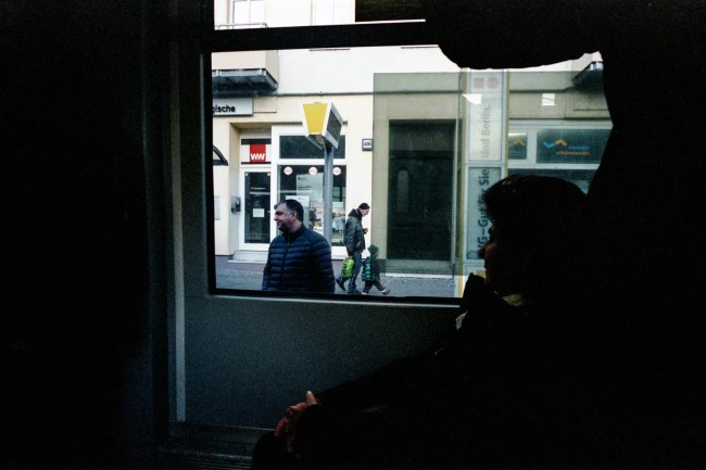 portra400 andrea scire 006 750x500 - Berlino Area 36 Street Photography - fotostreet.it