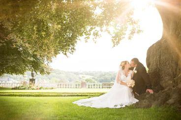 Hochzeit von Marina & Roman, Hochzeit, Paar, Heirat, Foto, Fotoshooting, Shooting, romantisch, verliebt, Romantik, heiraten, wedding, ja, schönster tag, Natur, Glück, glücklich, klassisch, gefühlsvoll, exklusiv, extravagant, frech, lässig, lustig, Hochzeitsfotos, Hochzeitsfotografien, emotional, gefühlsbeton, Momente, Tag, elegant, Liebe, Kleid, Brautkleid, Braut, Bräutigam, Brautpaar, Fotos, Fotografien, Fotograf, Fotostudio, schön, modern, Hochzeitsfotografin, Diez, Limburg, Hahnstätten, Holzheim, Weilburg, Schloss, Garten, Gefühle, Emotionen, outdoor, draußen, location, 2017, Braut, Bräutigam, Baum, Kuss, Sonne