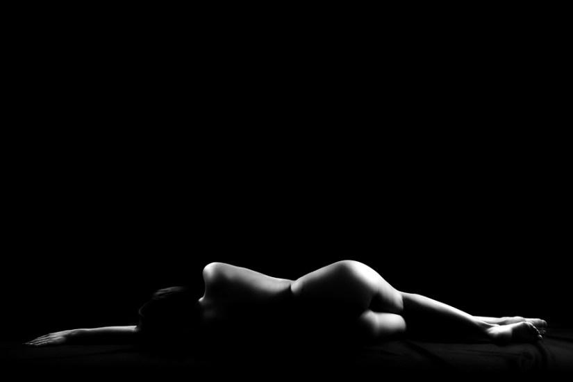 Akt, Erotik, Fotoshooting, Shooting, Fotostudio, Studio, Diez, Limburg, Hahnstätten, Holzheim, Fotos, Fotografien, Fotograf, Foto, klassisch, gefühlsvoll, exklusiv, elegant, extravagant, emotional, gefühlsbeton, schön, modern, ästhetisch, erotisch, sexy, Frau, weiblich, sinnlich, Pose, Körperform, Form