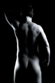 Akt, Erotik, Fotoshooting, Shooting, Fotostudio, Studio, Diez, Limburg, Hahnstätten, Holzheim, Fotos, Fotografien, Fotograf, Foto, klassisch, gefühlsvoll, exklusiv, elegant, extravagant, emotional, gefühlsbeton, schön, modern, ästhetisch, erotisch, sexy, Pose, Rücken, Mann, männlich