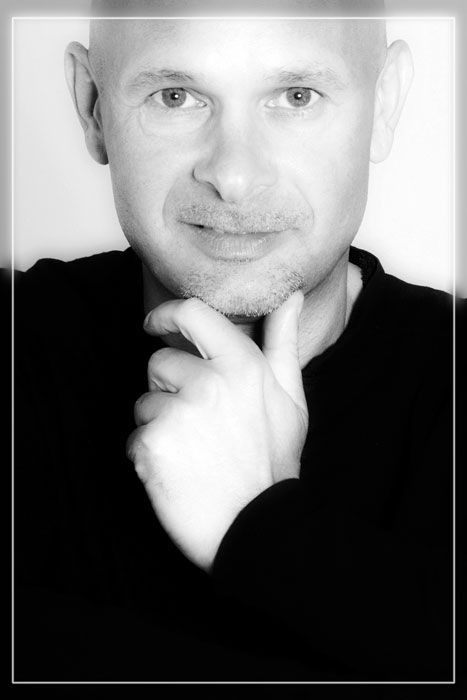 Porträt, Fotostudio, Studio, Shooting, Fotoshooting, Fotos, Fotografien, Fotograf, Fotostudio, klassisch, gefühlsvoll, exklusiv, elegant, extravagant, frech, lässig, lustig, Foto, emotional, gefühlsbetont, schön, modern, Diez, Limburg, Hahnstätten, Holzheim, Mann, Denker