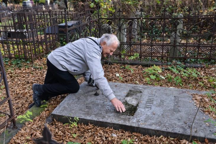 Stary nieczynny cmentarz ewangelicki w Bielsku-Białej