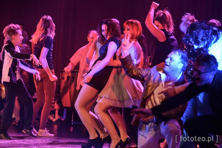 Aktorzy-amatorzy na scenie