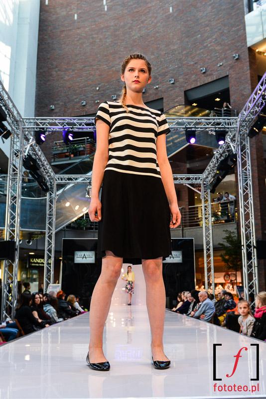 Modelka wBielsku-Białej napokazie mody