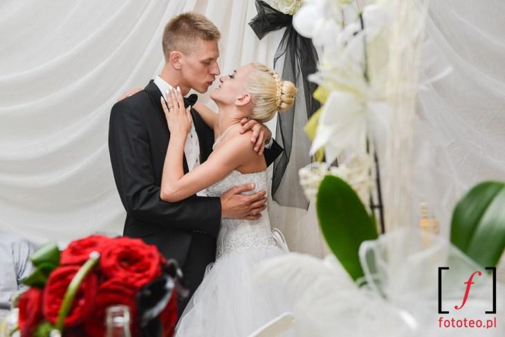 Agata i Damian podczas wesela. Fotograf ślubny Bielsko-Biała