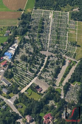 Bielsko-Biala z lotu ptaka, cmentarz Kamienica