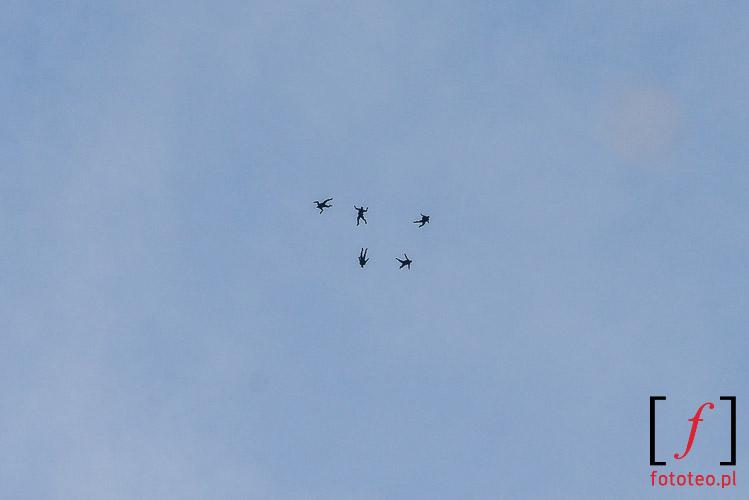 Klucz spadochroniarzy w powietrzu
