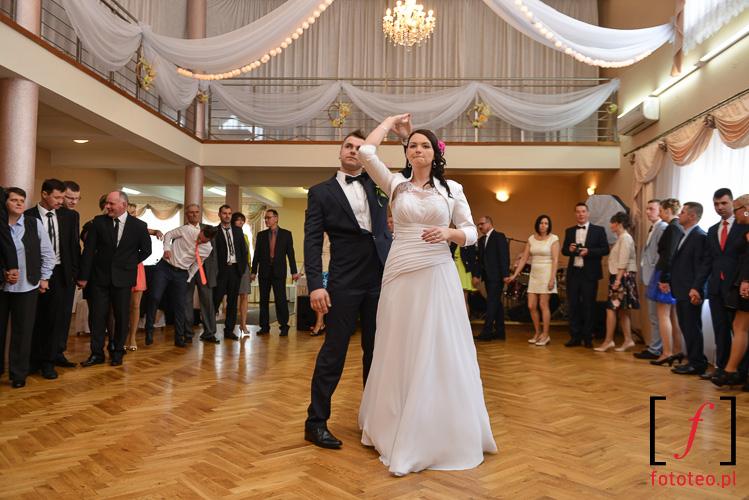 Pierwszy taniec pary mlodej, Brzusnik kolo Zywca