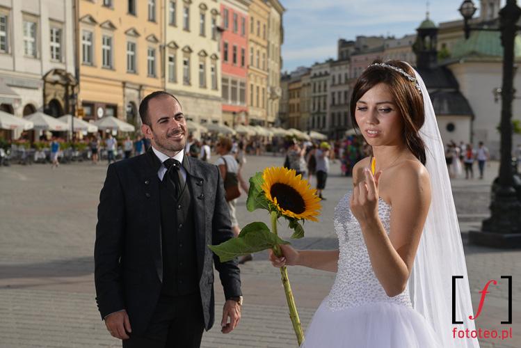 Para mloda na Rynku w Krakowie sesja