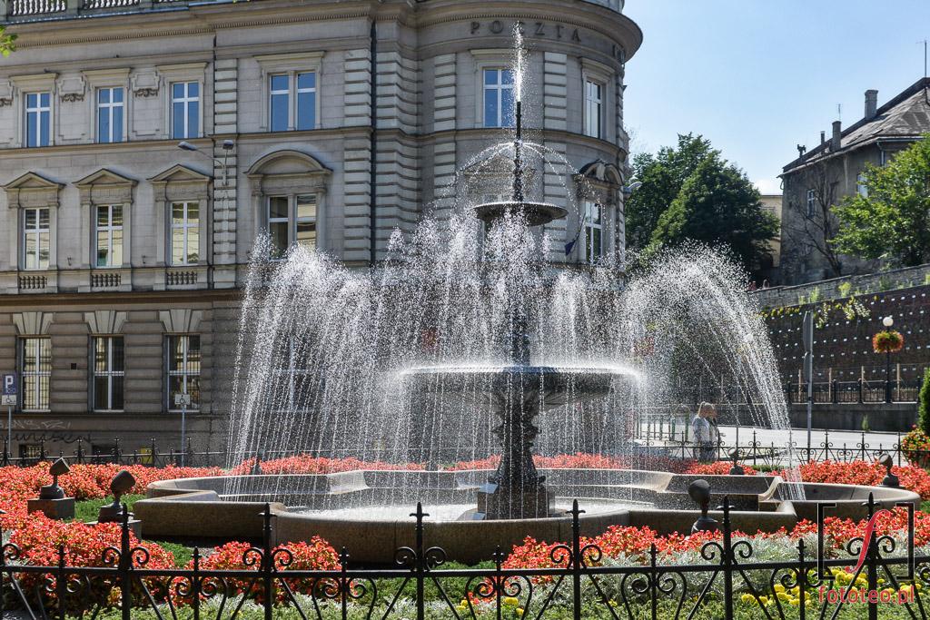 Fotograf Bielsko Biala: Fontanna przed Teatrem