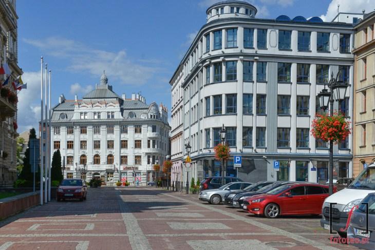plac Ratuszowy wBielsku-Białej.