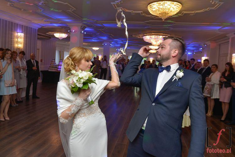 Fotograf ślub rzut kieliszkami