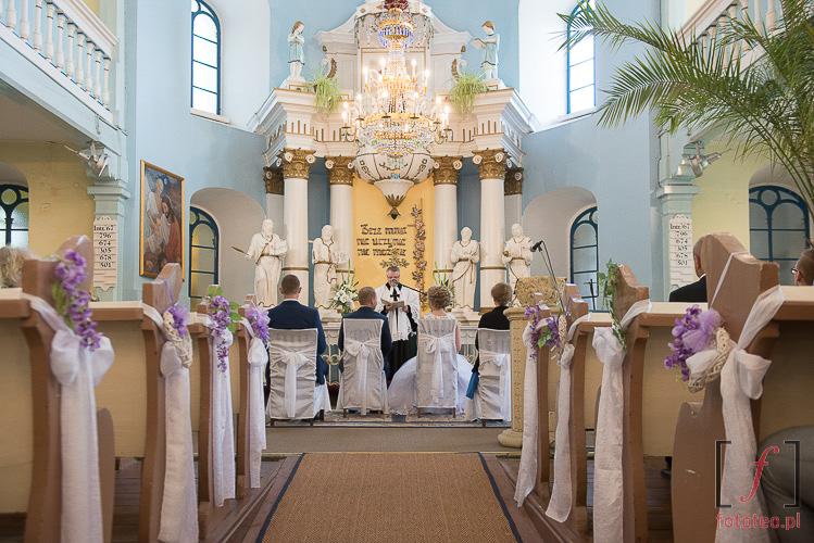 Wnętrze kościoła ewangelickiego w Starym Bielsku
