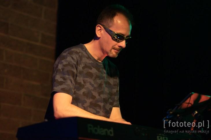 Fotografia koncert. Keyboard Bogusław Bąk