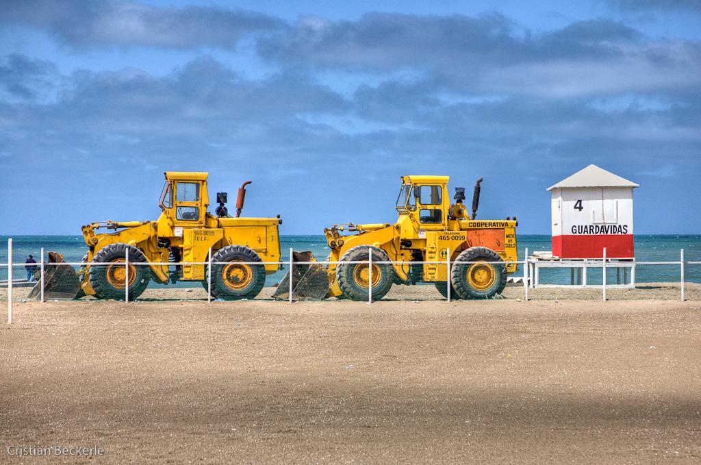 Tractores amarillos