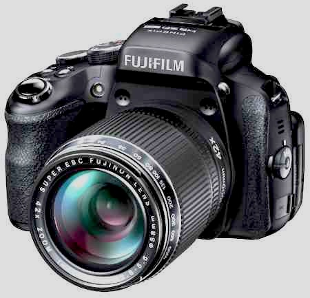 new-Fuji-superzoom-compact-camera