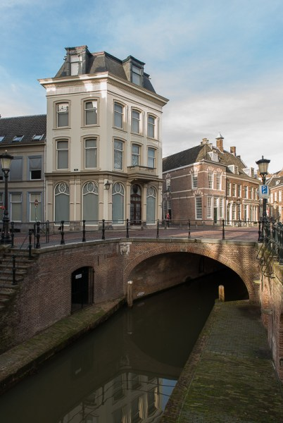 Pausdam vanaf Nieuwegracht