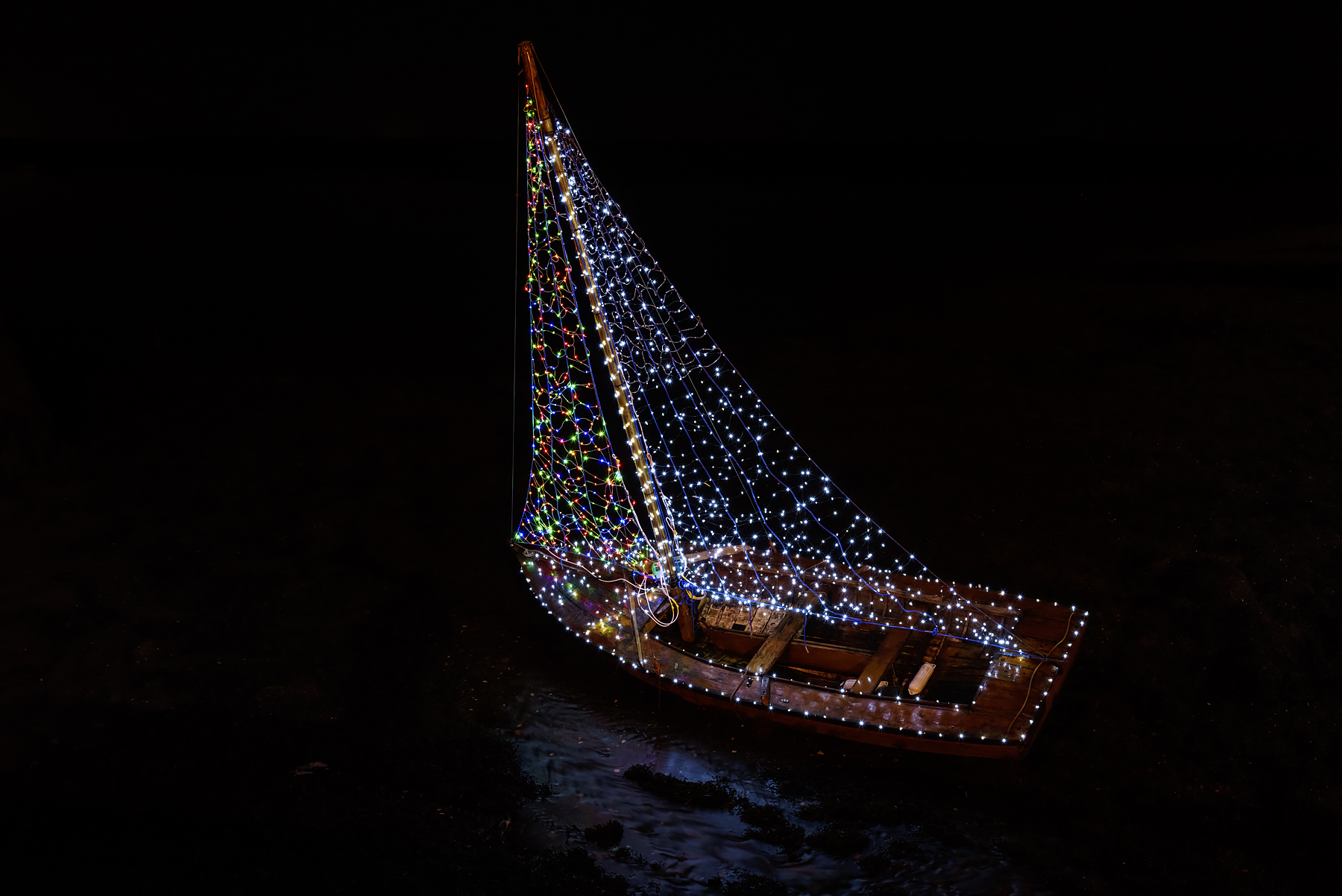 The Christmas Boat, Kinvara, Co. Galway, Ireland. Nikon D750, Nikon 24-120/4, ISO 800, 1s at f/8, Tripod. December. © Carsten Krieger.