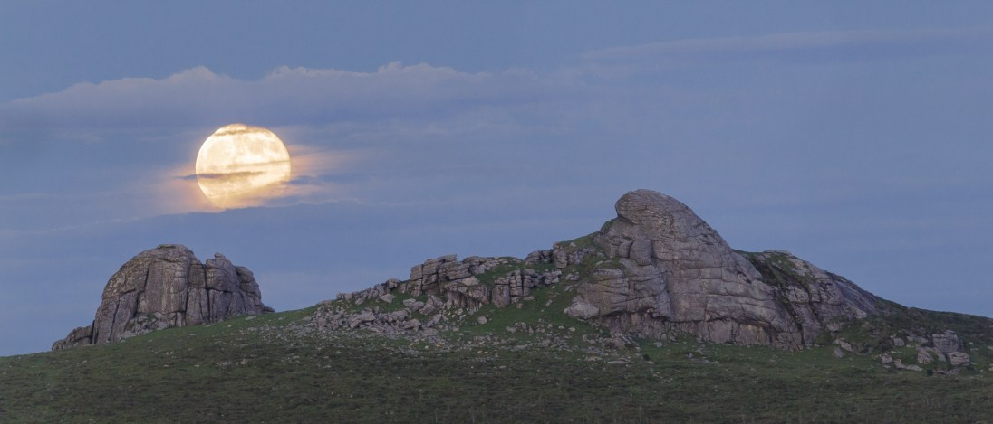 Haytor Moonrise, Haytor, Dartmoor. Sony A7R, Canon 70-300 f/4-5.6L IS USM and 2x TC at 400mm, ISO400, 1/60sec, f8, Tripod, June. © Richard Fox.
