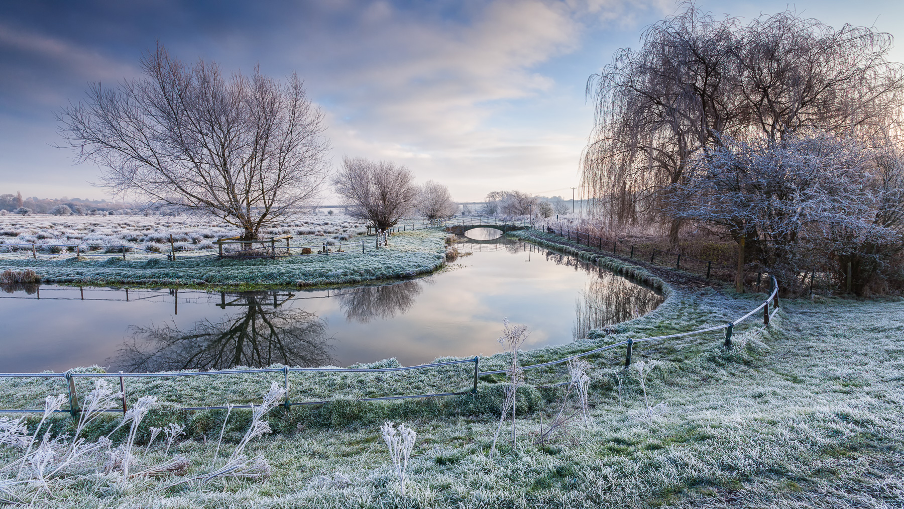 Hertford Marshes, Herts, Canon 5D Mark II, EF17-40mm, ISO100, 17mm, 1/10s at f/14. Tripod. © George Johnson
