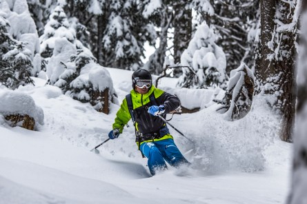 Skiing deep powder. Nikon D810, Nikkor 80-400mm at 200mm, ISO 125, 1/640s at f/5.3. February. © James Rushforth.