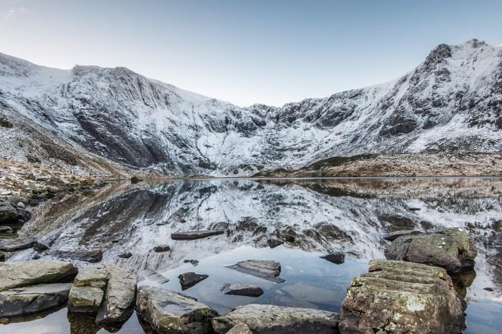 Winter reflections in Llyn Idwal Nikon D800, Nikon 16-35 f/4 at 16mm, ISO100, 1/4s at f/16.Tripod. December. © Simon Kitchin