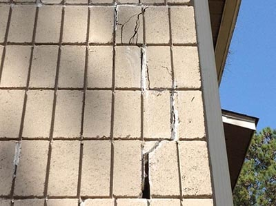 Signs of sinkhole damage in your Florida home