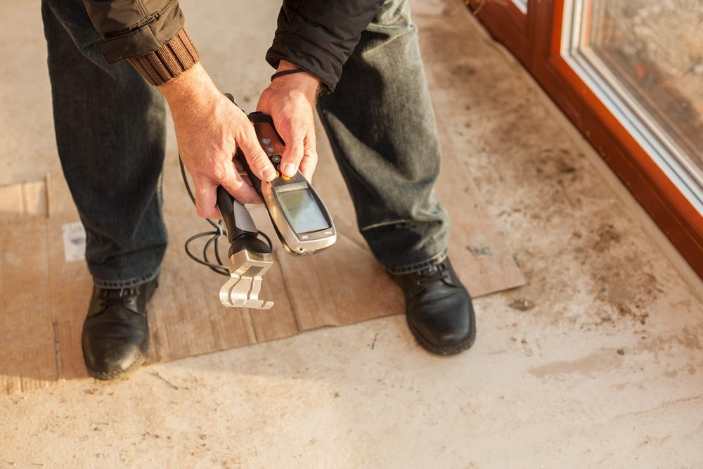 Measuring humidity of new building