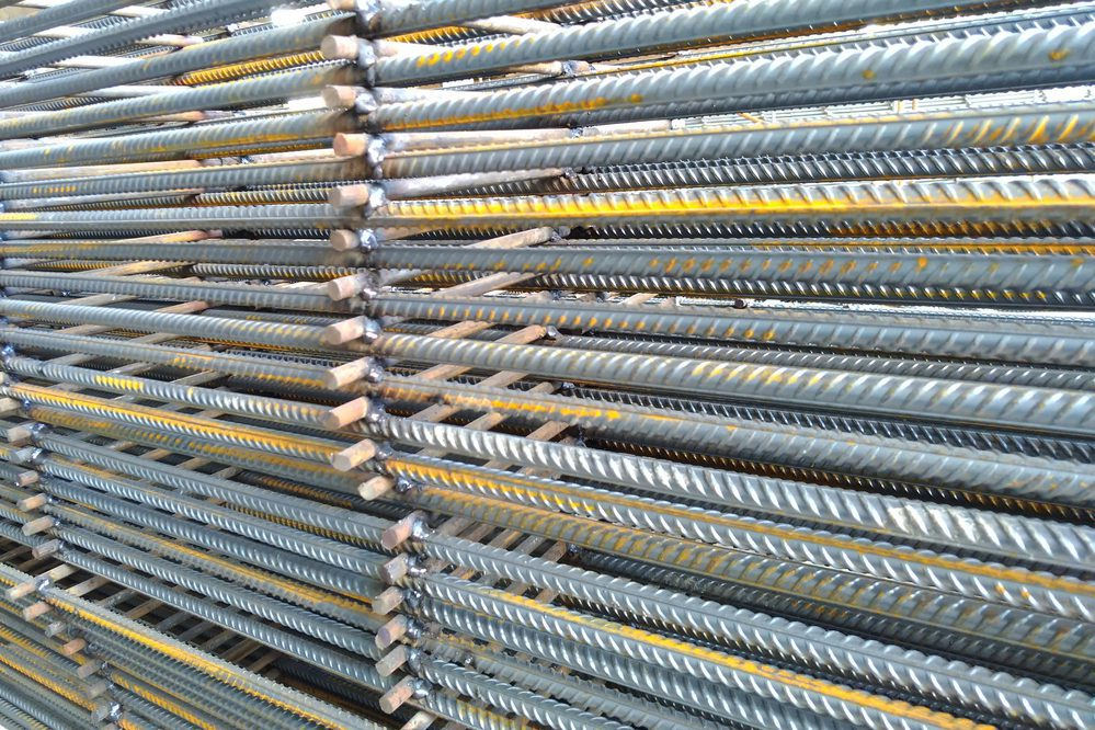 Mortgages from steel fittings for pouring concrete.