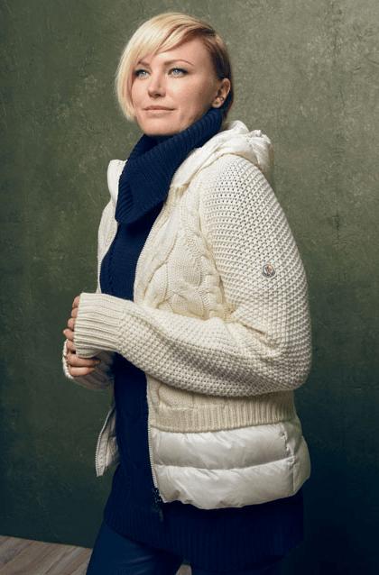 Malin Akerman whit knit and puffer