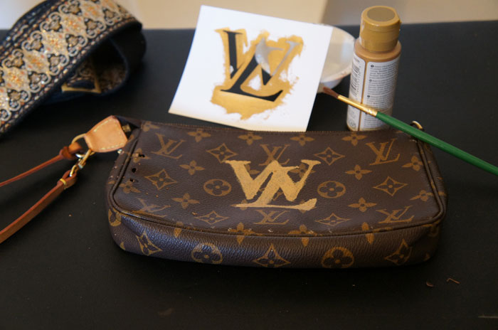 stencil-logo-on-lois-vuitton-bag