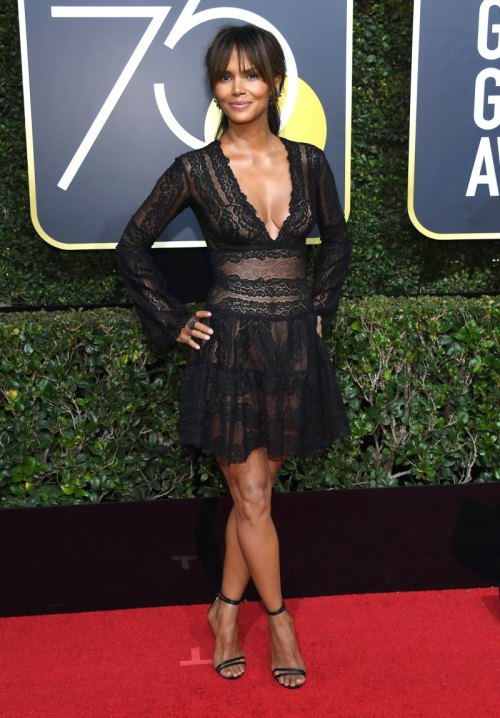golden globes 2018 fashion best and worst dressed celebrities halle berry