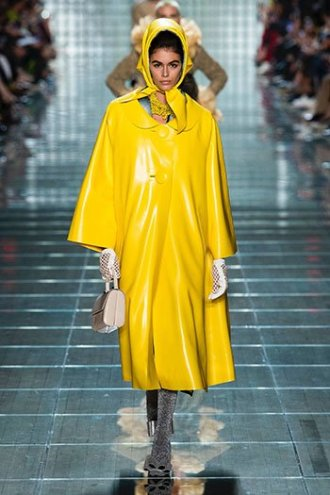 marigold yellow marc jacobs rrain coat SS19