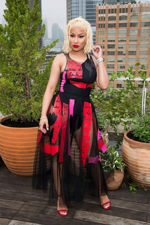 celebrities-in-the-front-row-Nicki-Minaj