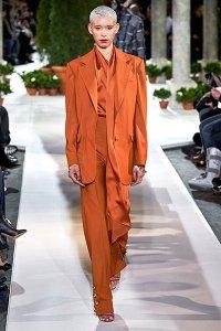 fall 2019 fashion trends monochrome orange suit oscar de la renta
