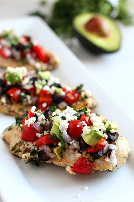 keto dinner ideas Mediterranean Chicken In a Skillet serving for fqamily meal