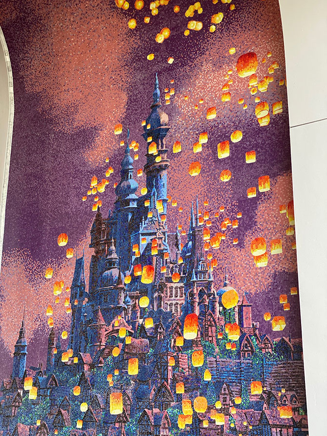 Disney artwork at Disney's Riviera Resort fountainof30
