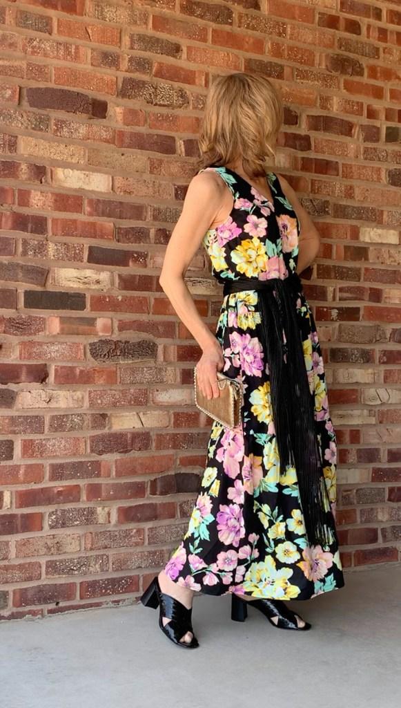 summer dress with black sash heels gold clutch fountainof30