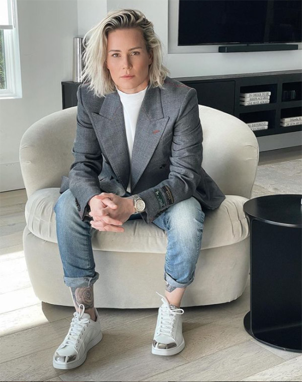Fashionable Female Athletes Ashlyn Harris