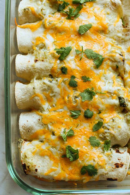 baked salsa verde chicken enchiladas fountainof30