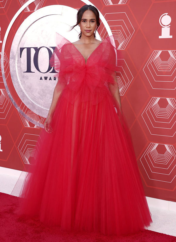 Celebrities In Showstopping Gowns Zawe Ashton red gown