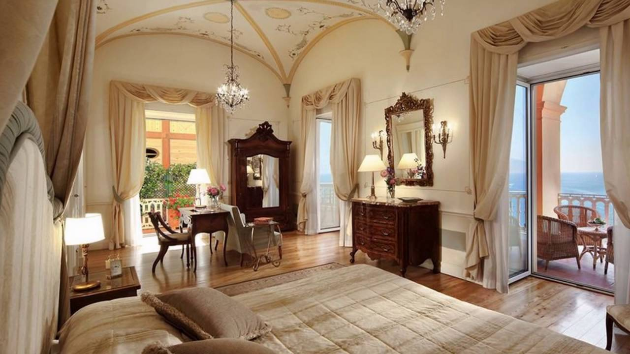 Discover Grand Hotel Excelsior Vittoria Four Magazine