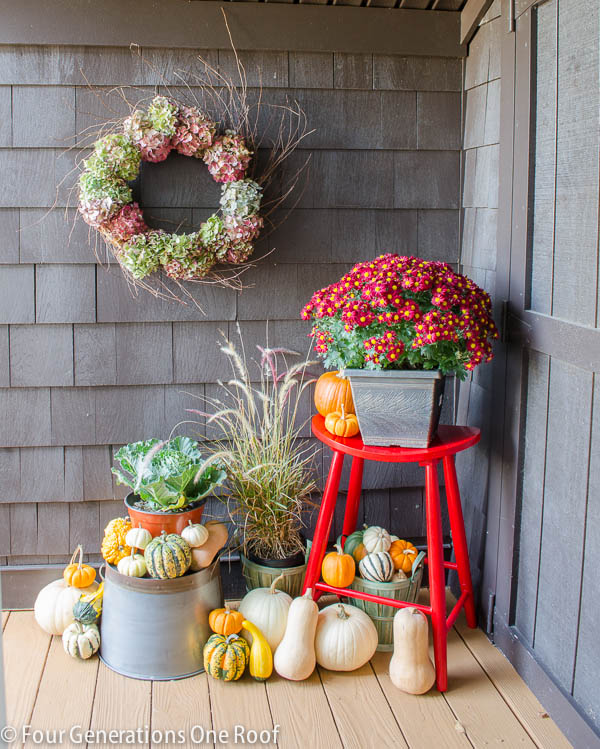 Fall_Decorating_back_door-2