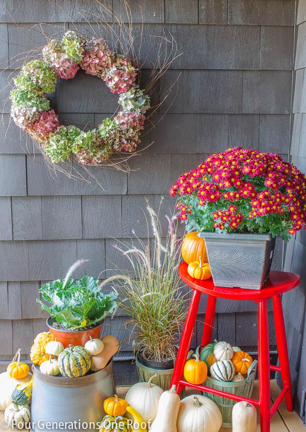 Fall_Decorating_back_door-3