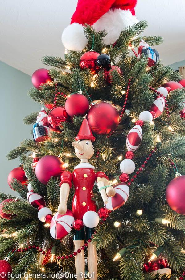 Gorgeous Christmas Home Tour / Christmas tree - Red + black / living room