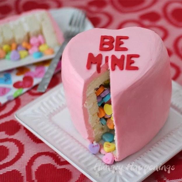 conversation-heart-pinata-cake