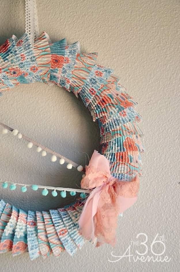 cupcake-wrapper-wreath