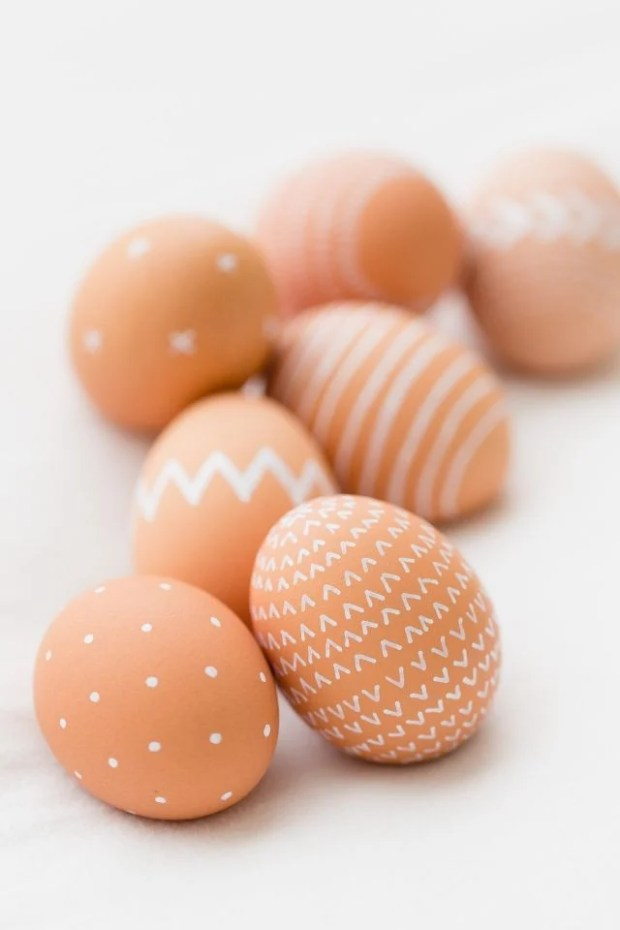 dozen easter egg ideas - natural-easter-eggs