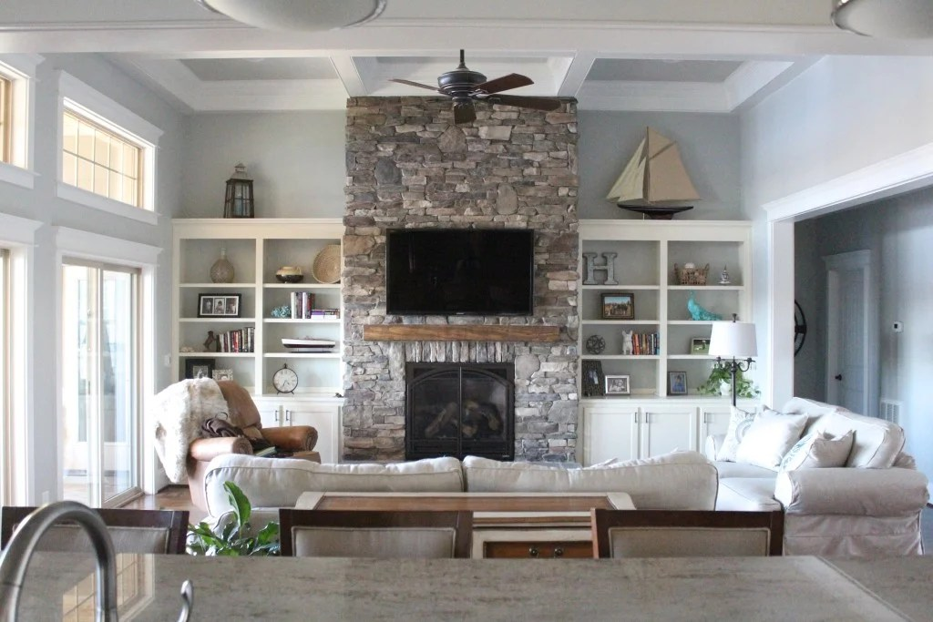 how to decorate a living room with fireplace and tv color scheme ideas for waterfront view: 25 ways go coastal - four generations ...